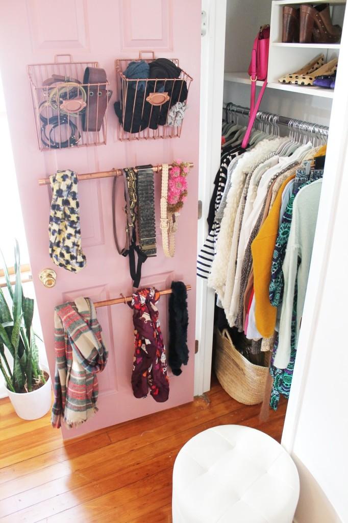 Компактное хранение одежды: 9 идей, освобождающих пространство в шкафу, Уютный дом